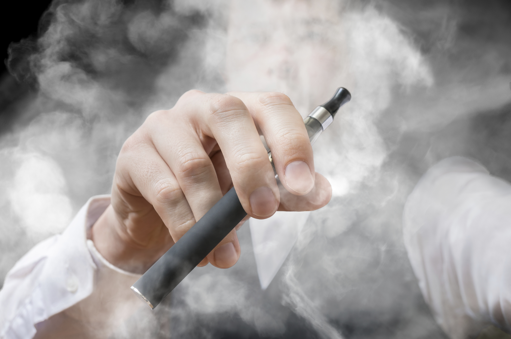 E-cigarette and Vaping Associated Lung Injury (EVALI)